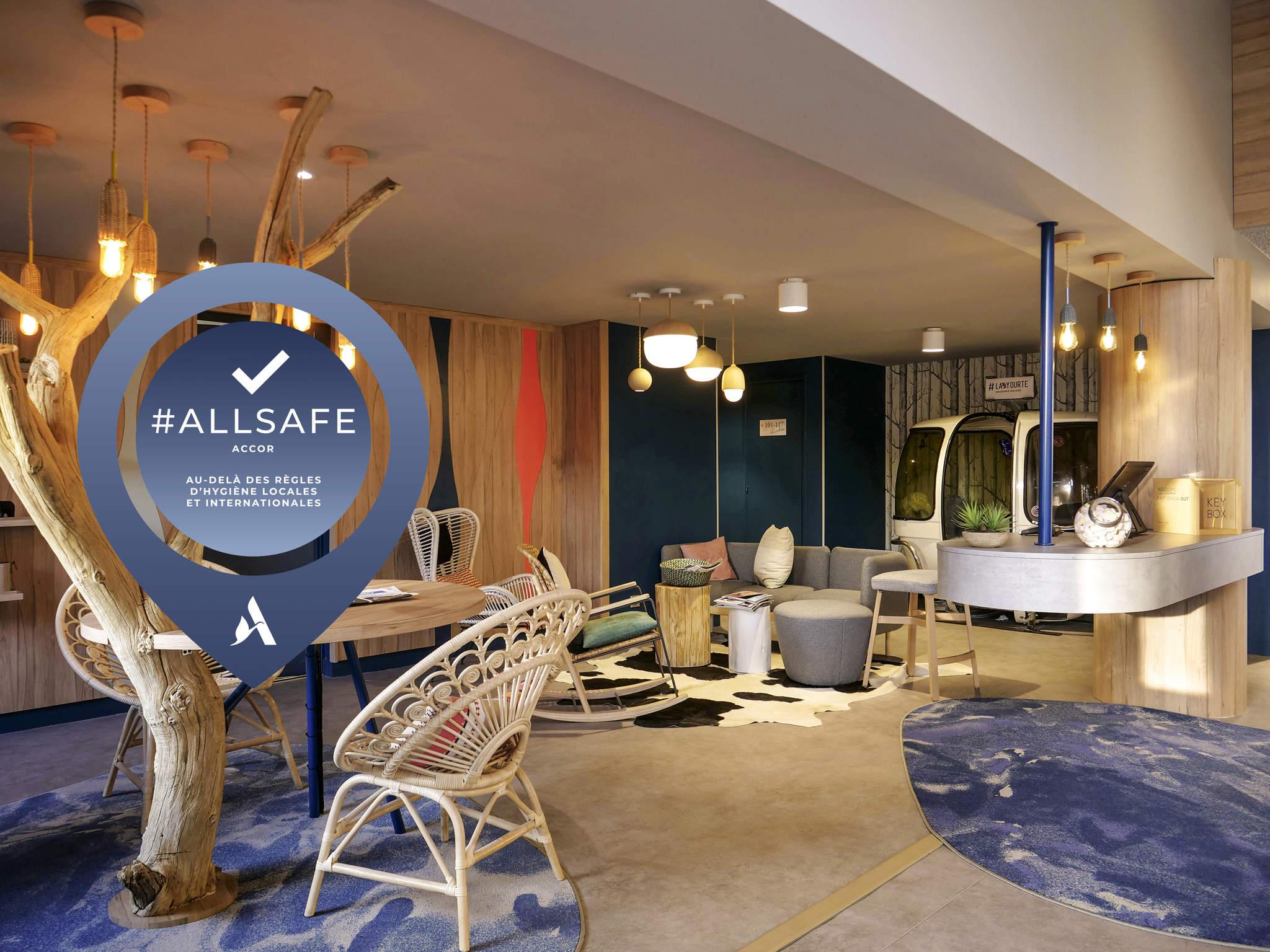 simple hotel mercure annemasse porte de genve hotel with millet porte d entre. Black Bedroom Furniture Sets. Home Design Ideas