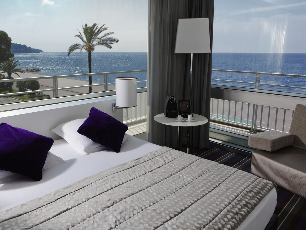 h tel nice h tel mercure nice promenade des anglais. Black Bedroom Furniture Sets. Home Design Ideas