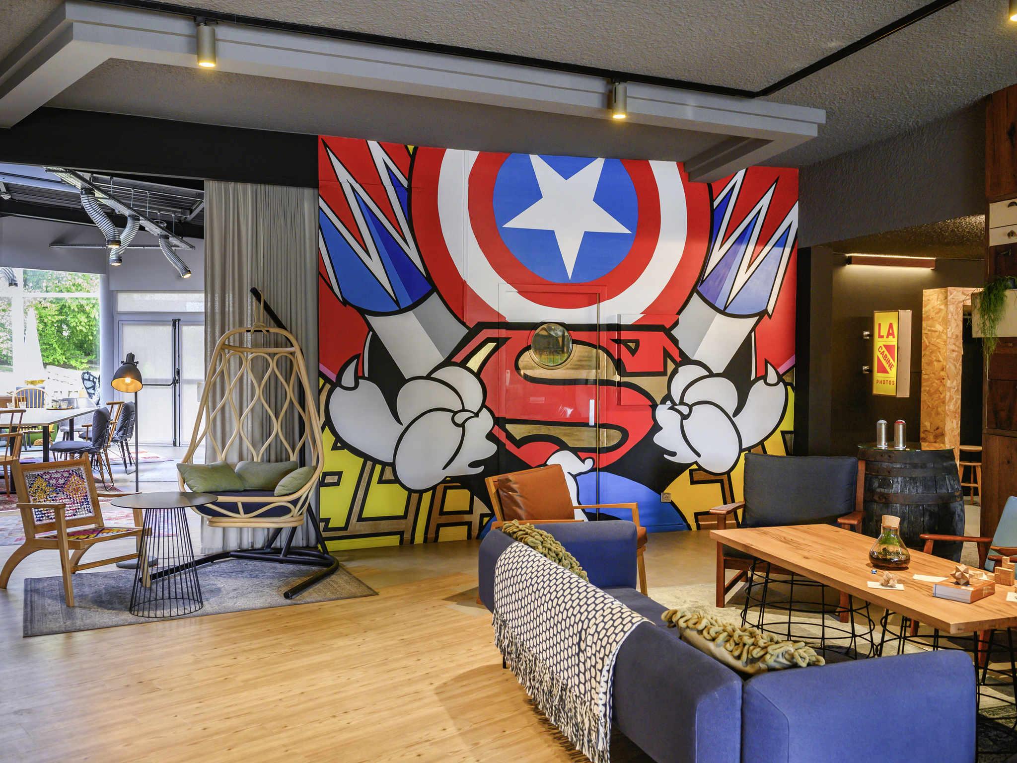 Hotell – Hôtel Mercure Reims Parc des Expositions