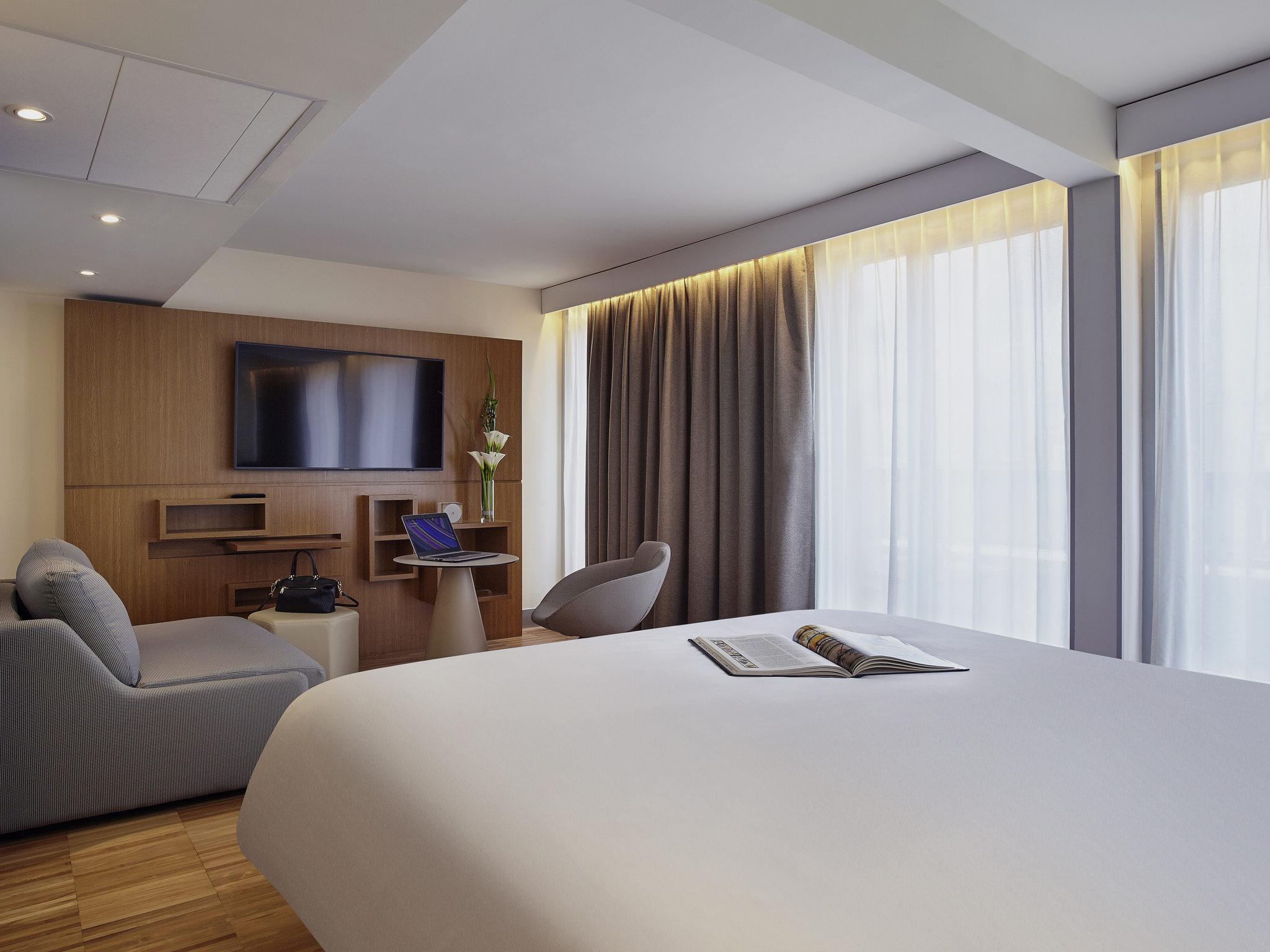 hotel in paris mercure paris arc de triomphe toile hotel rh meetings accorhotels com