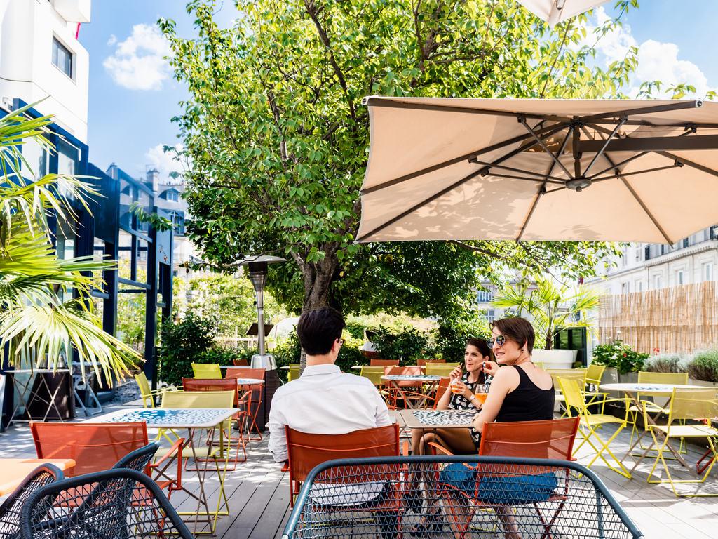 18 75 Bar Lounge Terrasse Paris Restaurants By Accor