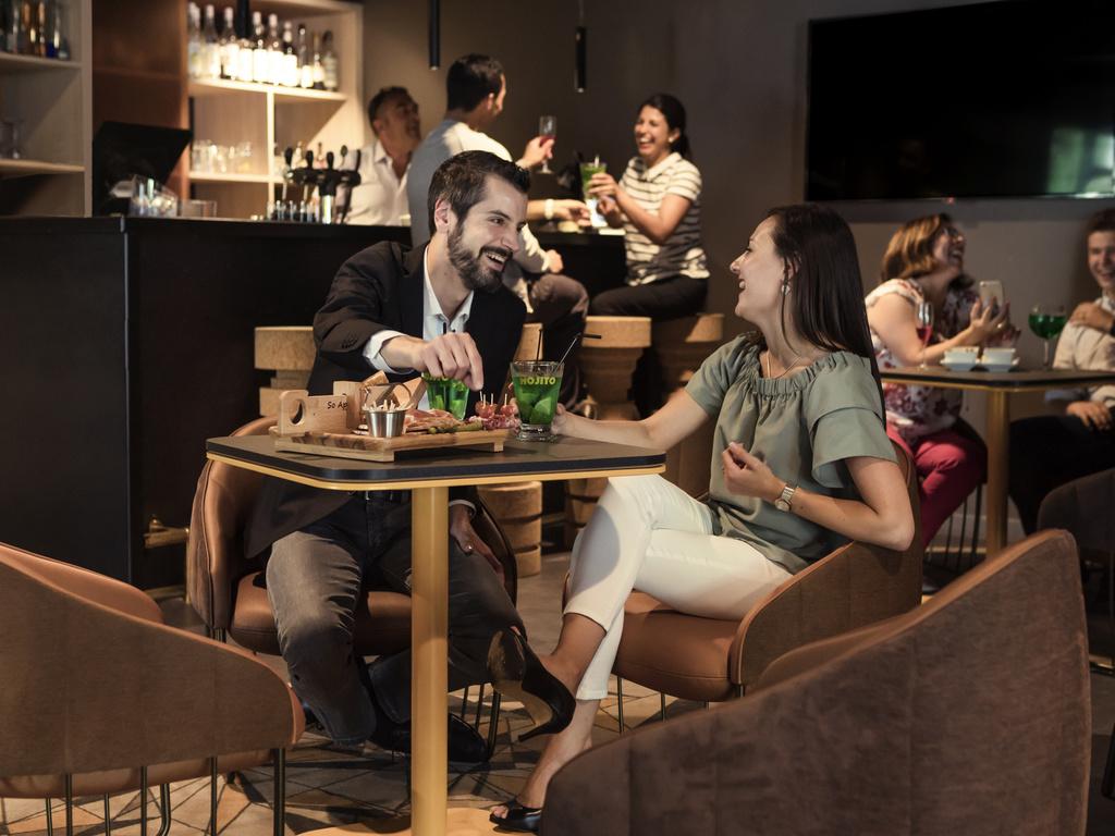 l 39 e cone les ulis restaurants by accorhotels. Black Bedroom Furniture Sets. Home Design Ideas