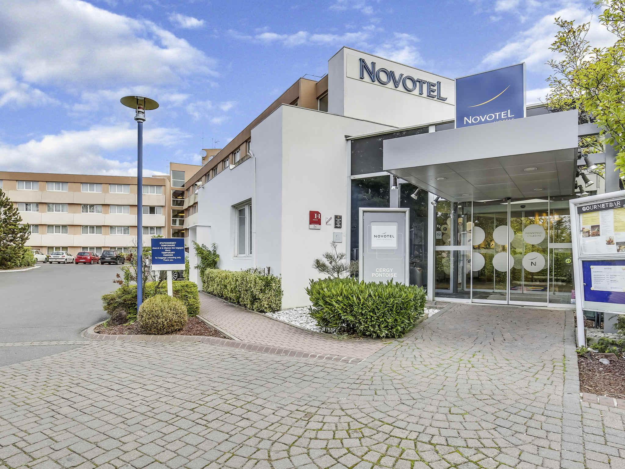 Отель — Novotel Сержи Понтуаз