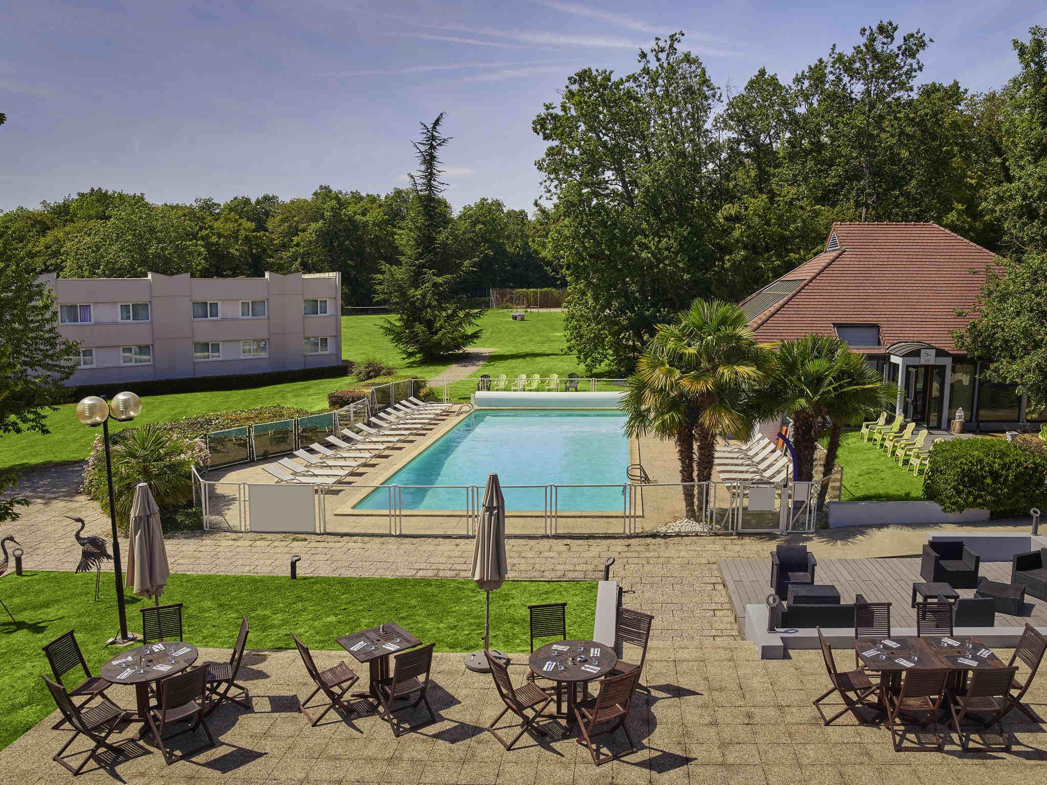 โรงแรม – Novotel Fontainebleau Ury