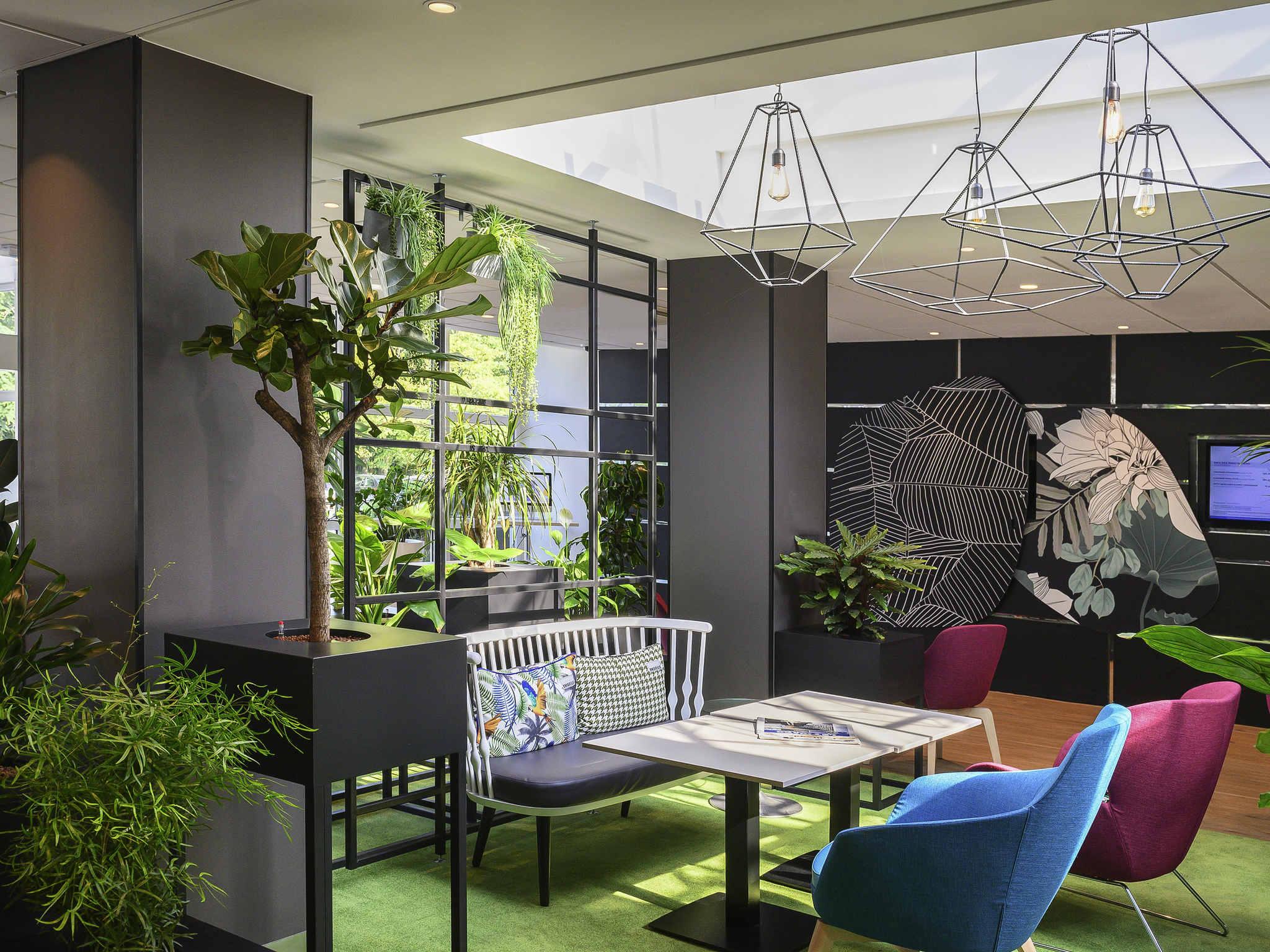 호텔 – Novotel Évry Courcouronnes