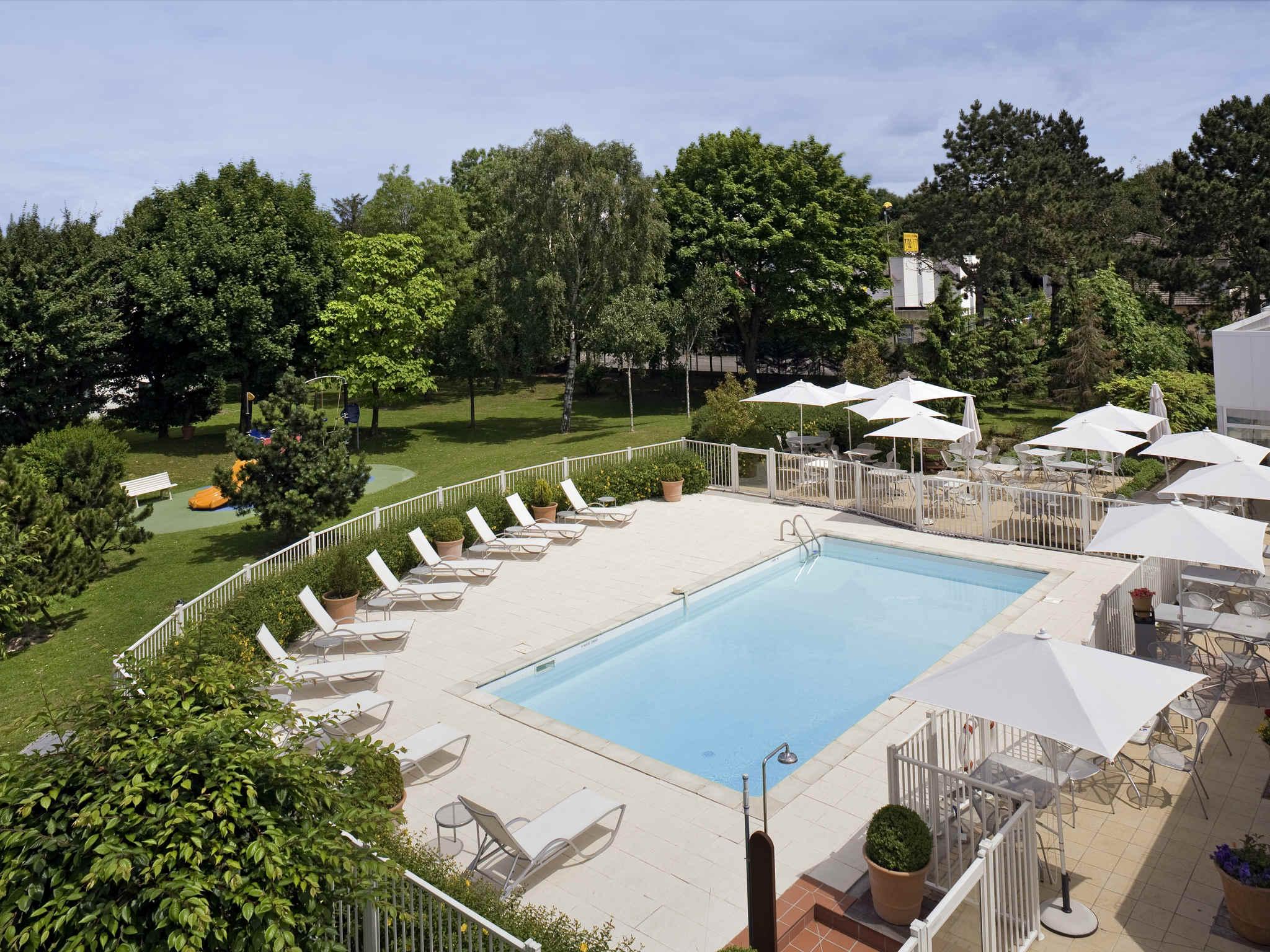Hotel di novotel amiens p le jules verne novotel amiens - Piscine jules verne tarif ...