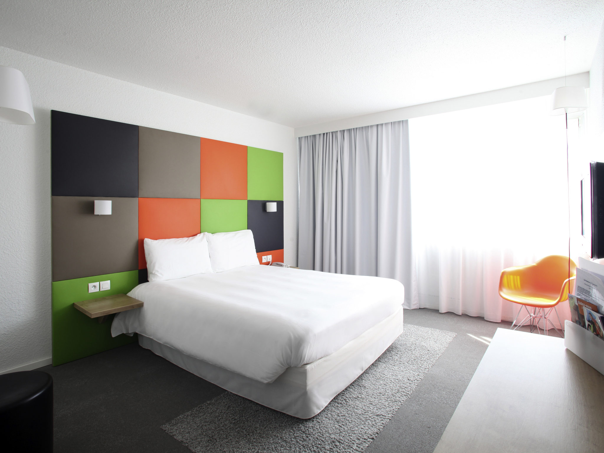 Tweepersoonsbed 160 210.Hotel In Houdemont Ibis Styles Nancy Sud