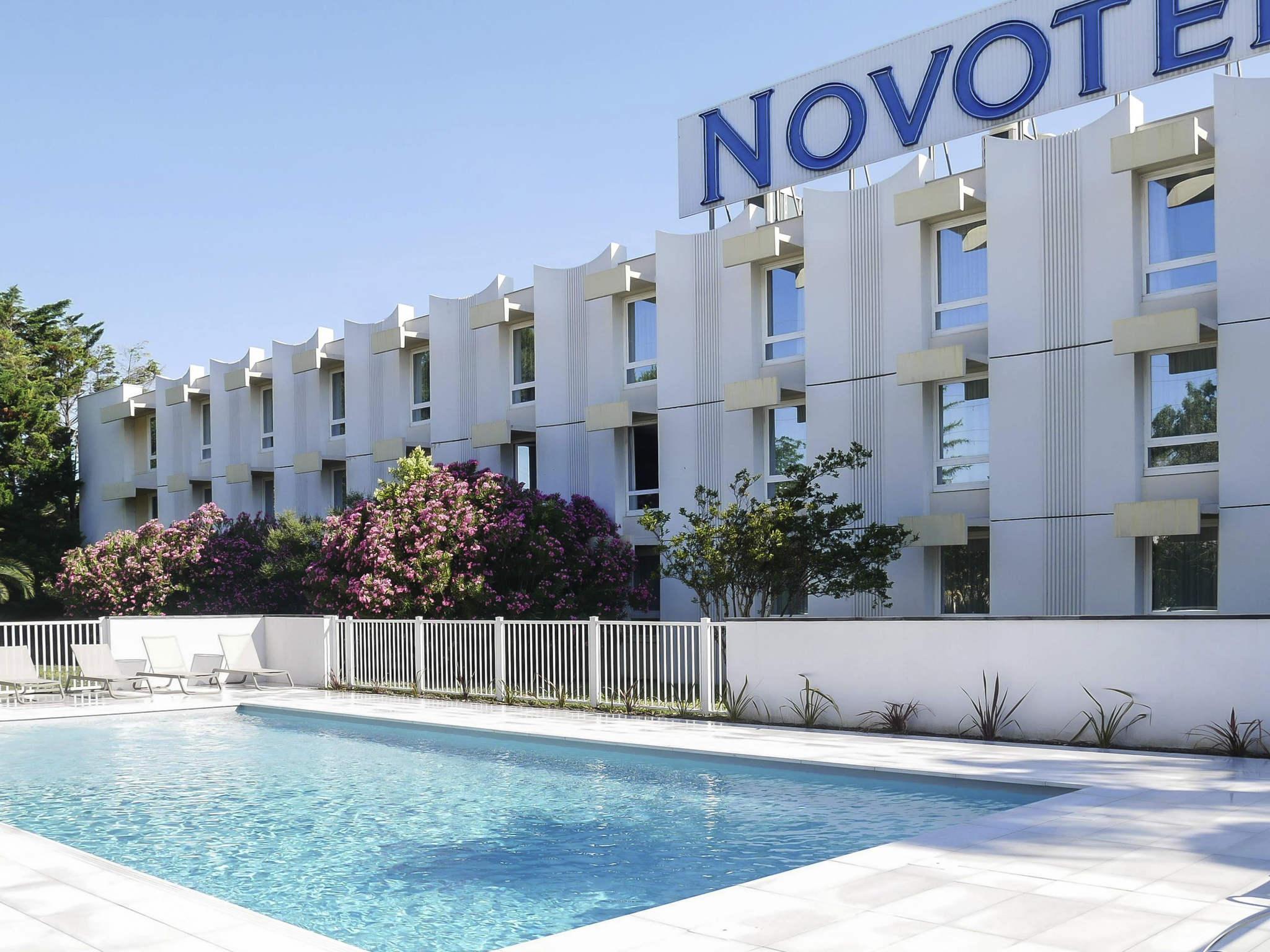 Отель — Novotel Нарбонна Юг