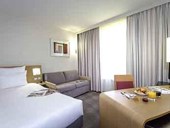 Hotel rivesaltes r server votre chambre l 39 hotel for Hotel perpignan avec piscine
