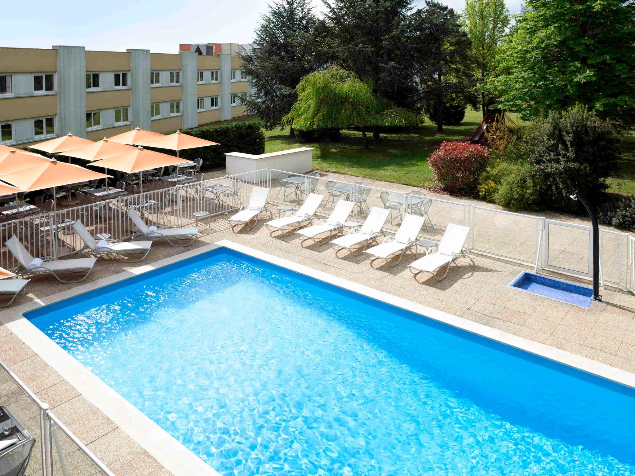 호텔 – Novotel Mâcon Nord
