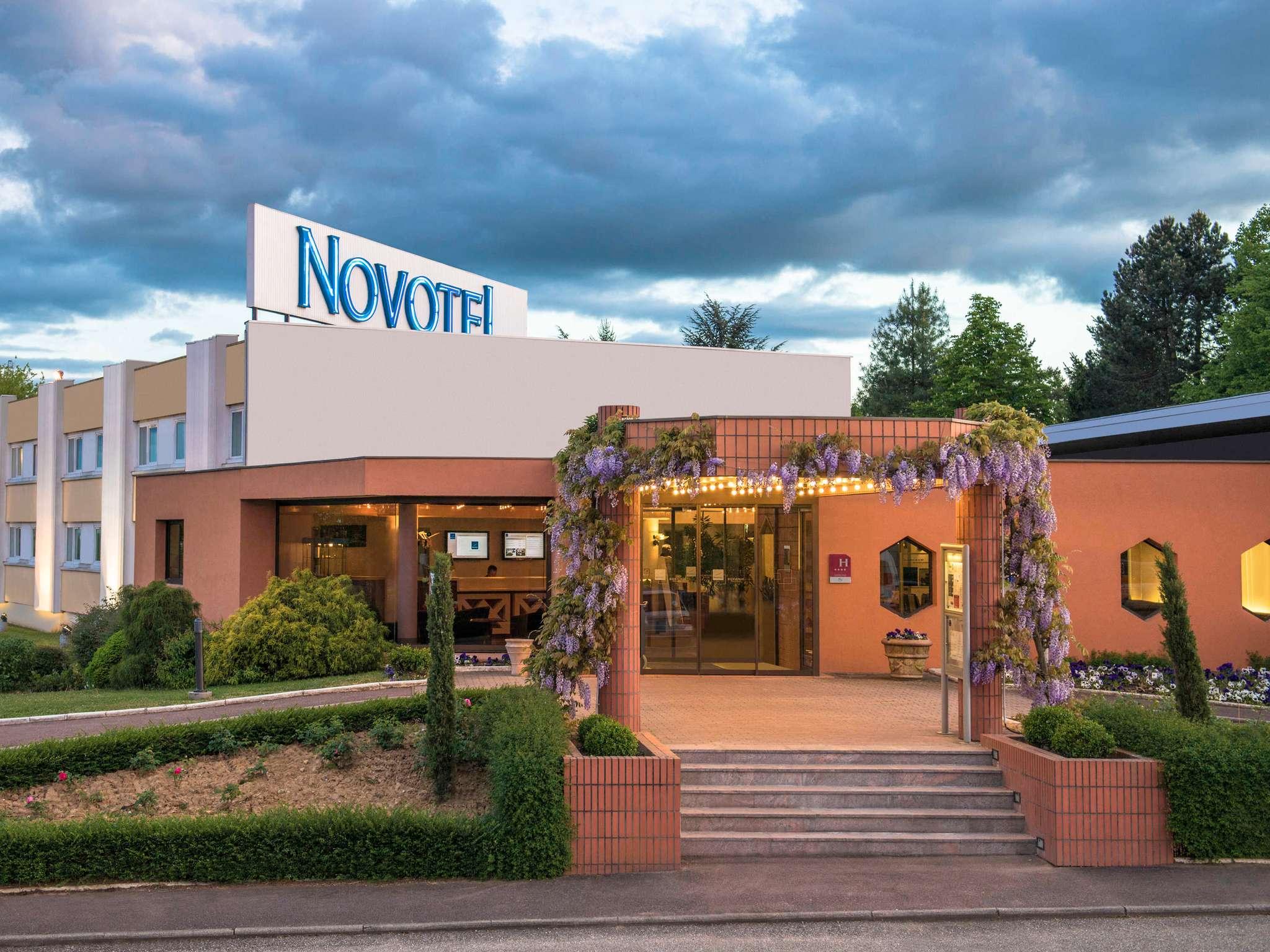 Hotel in SENNECE LES MACON Novotel Macon Nord