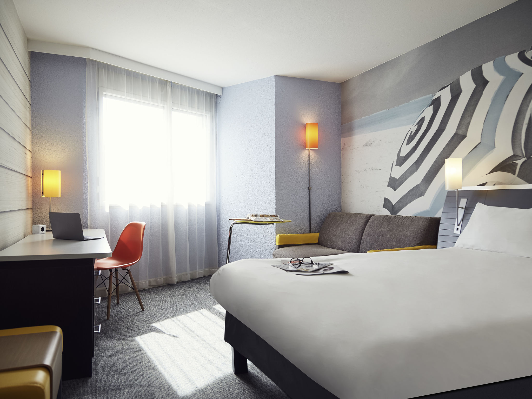 hotel in la seyne sur mer ibis styles toulon la seyne sur mer. Black Bedroom Furniture Sets. Home Design Ideas