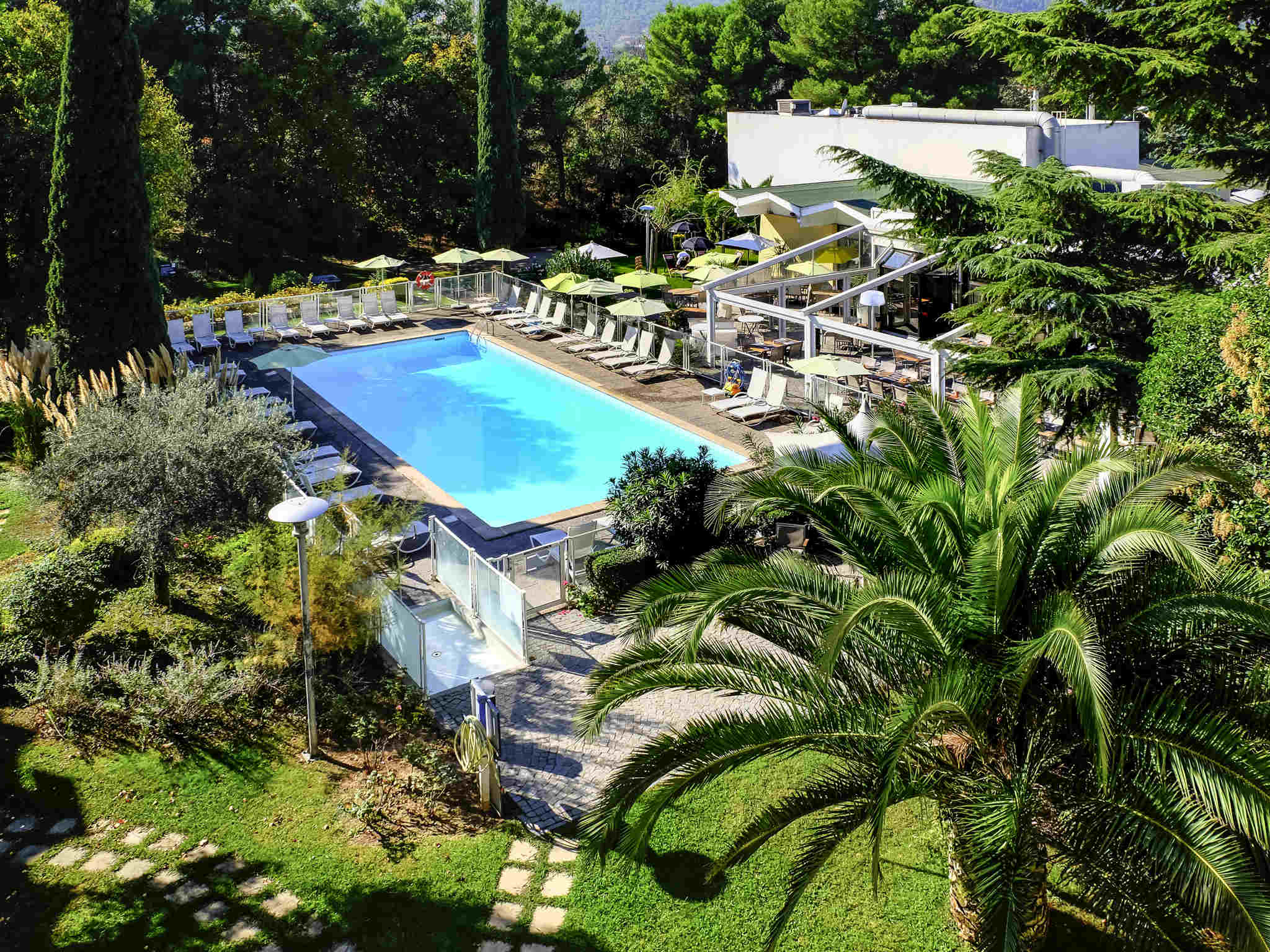 Hotell – Novotel Marseille East