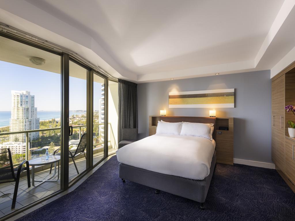 Hotel De Luxe Broadbeach Sofitel Gold Coast Broadbeach