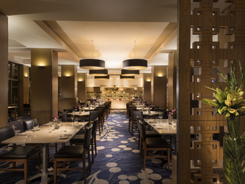 Restaurant - Sofitel Gold Coast Broadbeach