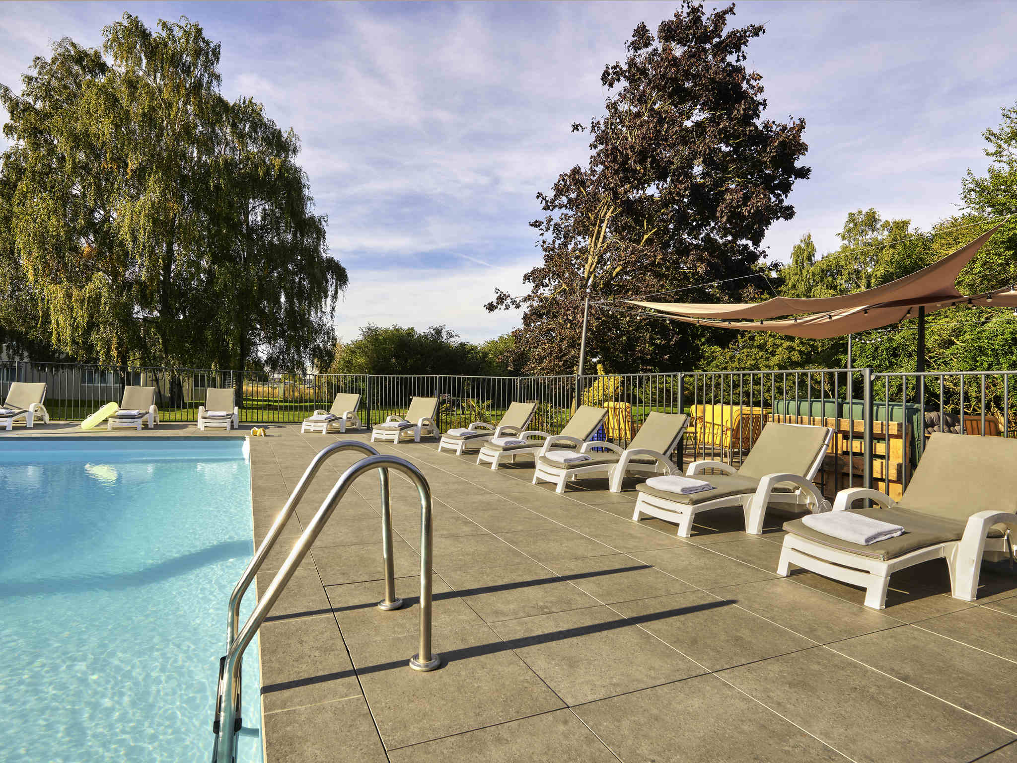 فندق - Novotel Survilliers Saint-Witz