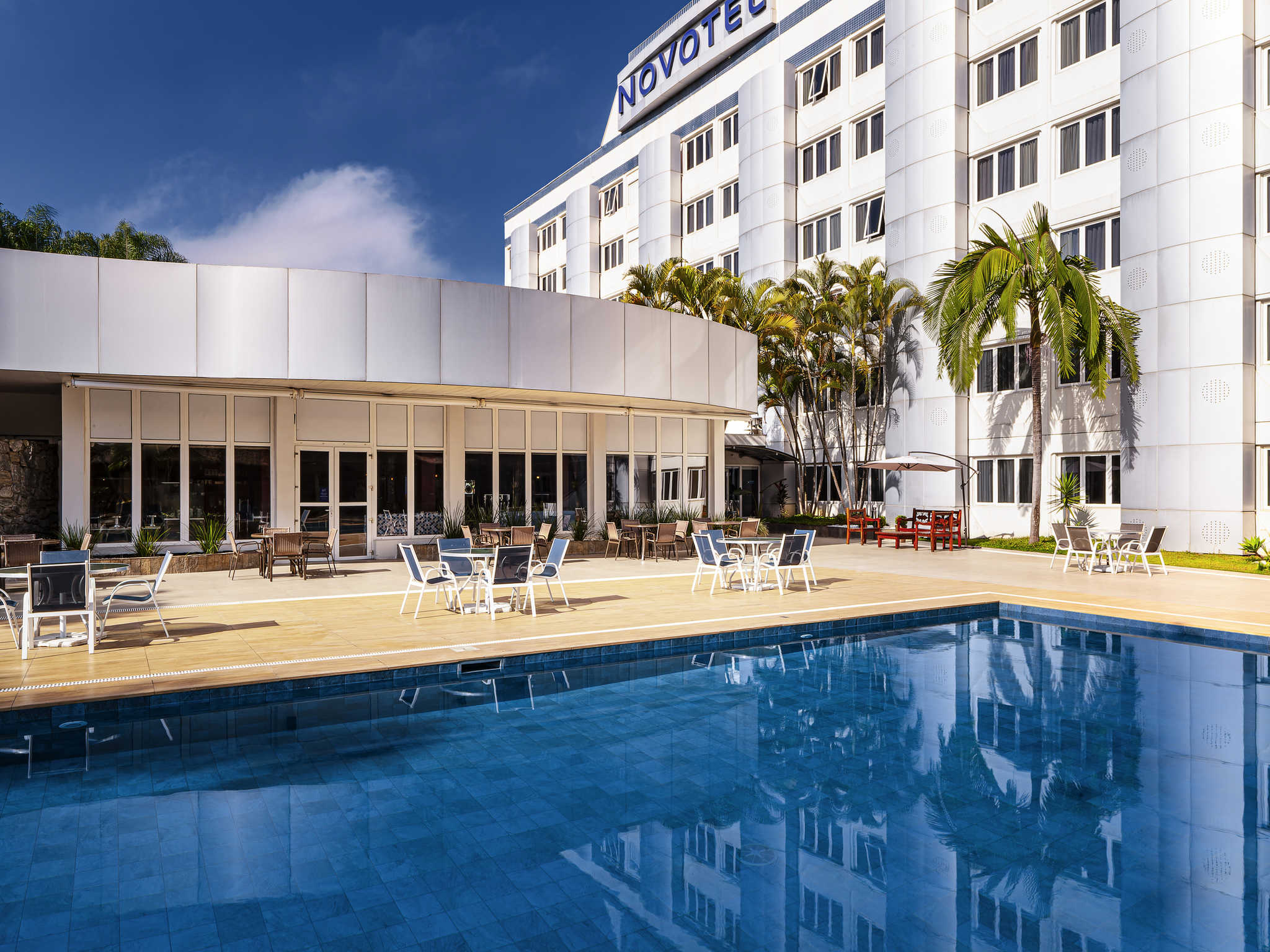 Отель — Novotel Сан-Жозе-дус-Кампус