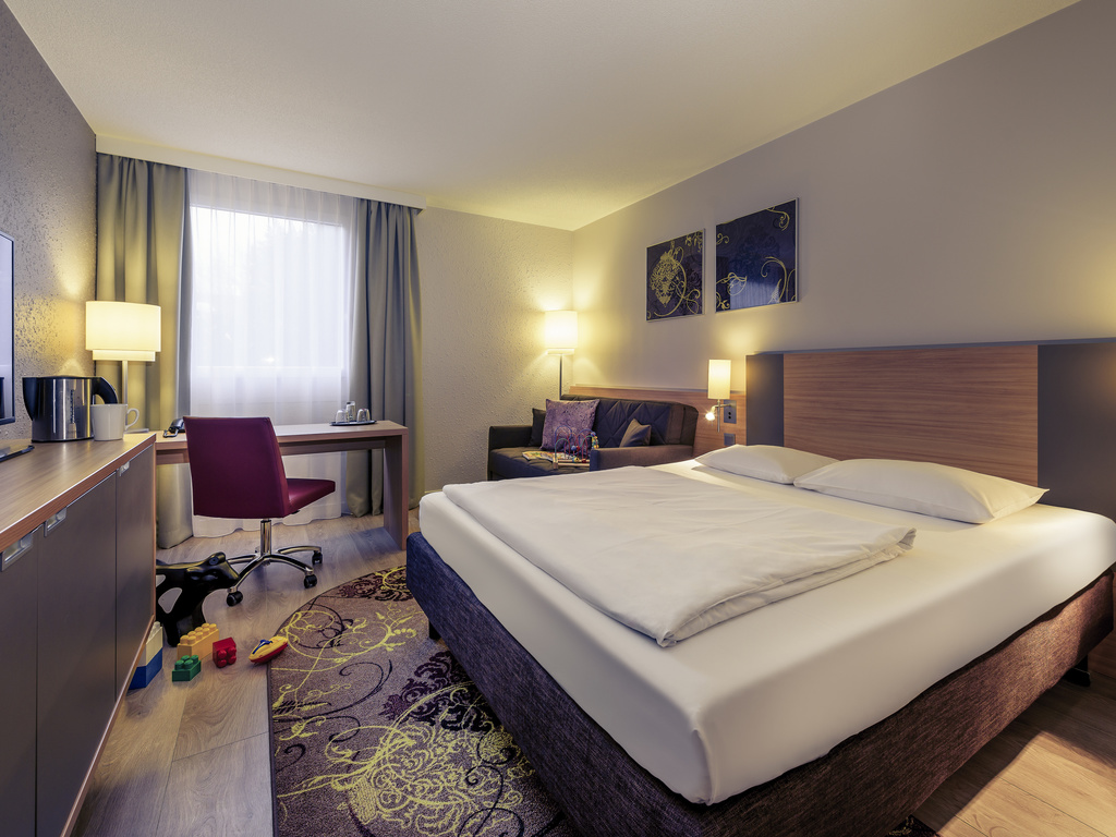 hotel w mie cie fuerth fuerther hotel mercure nuernberg west. Black Bedroom Furniture Sets. Home Design Ideas