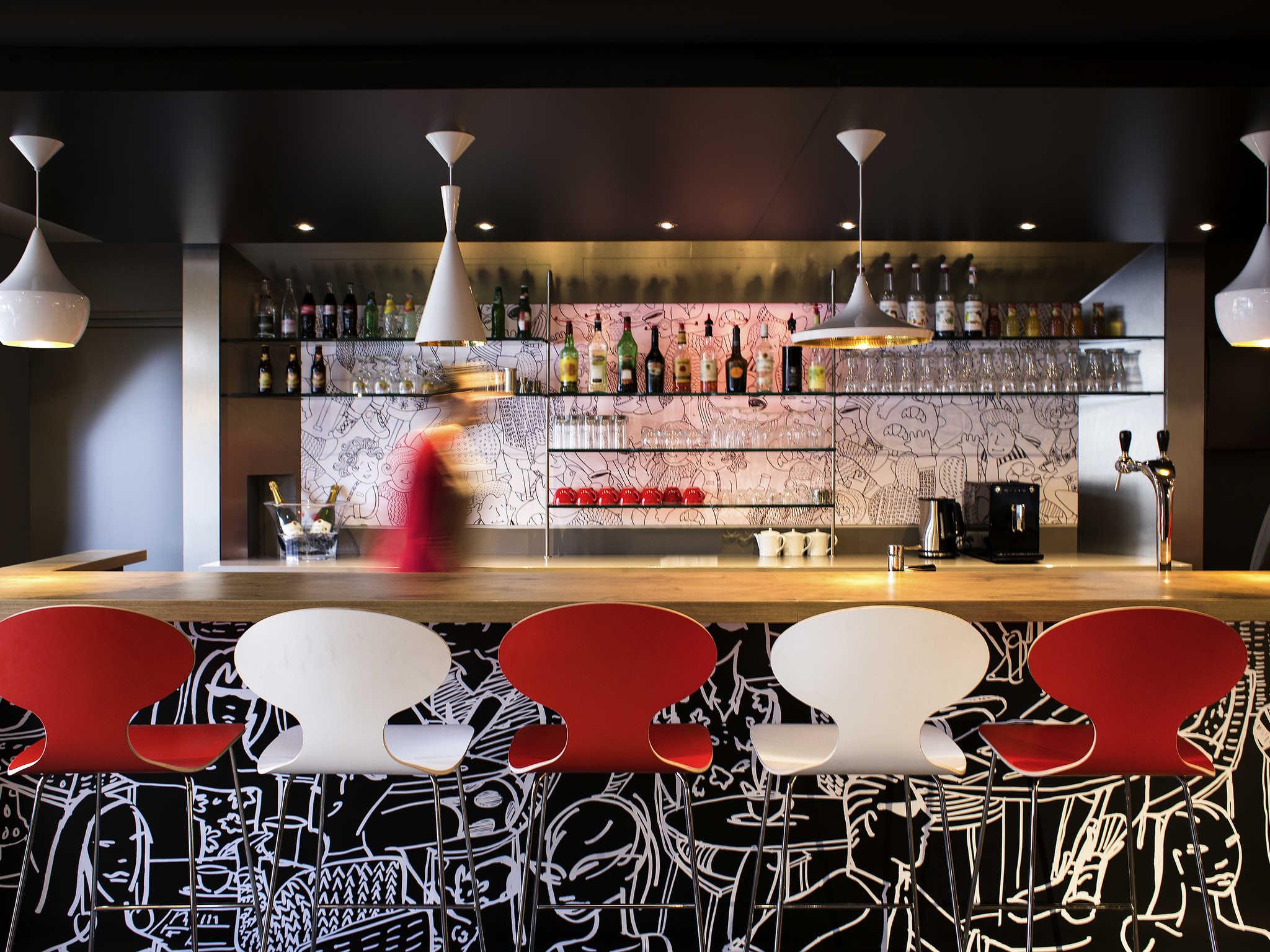 ... Bar   Ibis Annecy Centre Vieille Ville ...