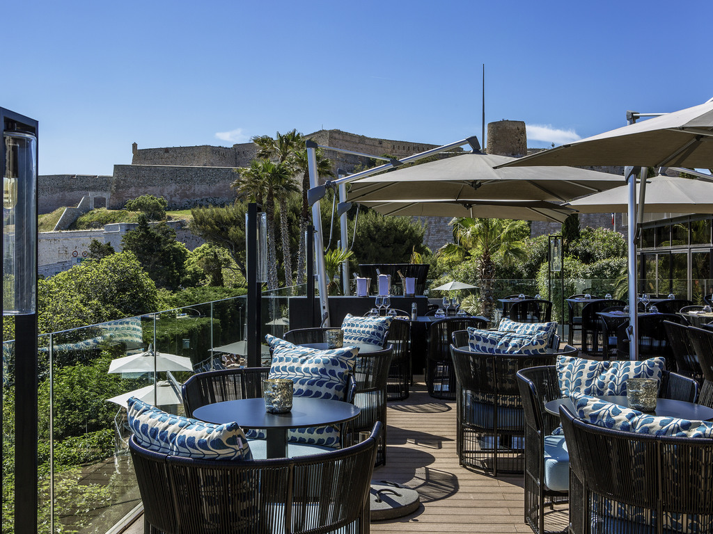 Luxury hotel marseille sofitel marseille vieux port - Restaurant libanais marseille vieux port ...