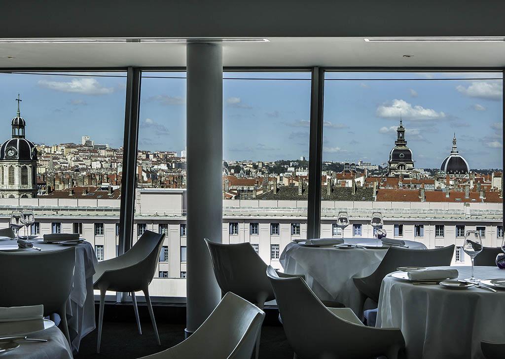 Haute cuisine hotel restaurants in lyon sofitel lyon for Restaurant cuisine moleculaire lyon