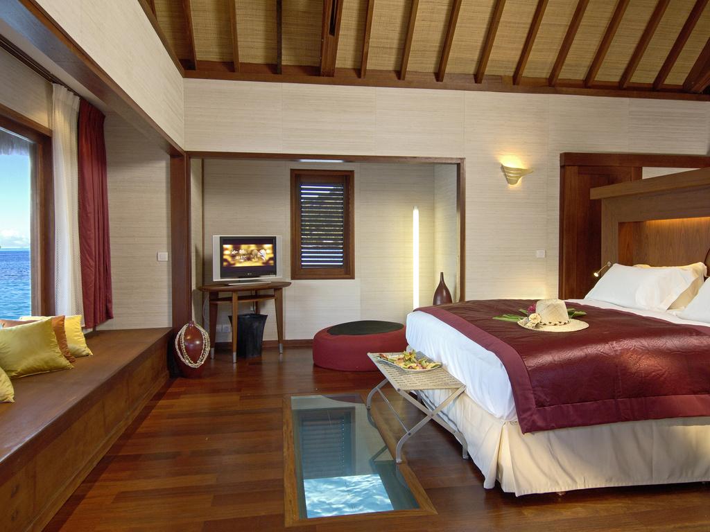 波拉波拉岛酒店内图片