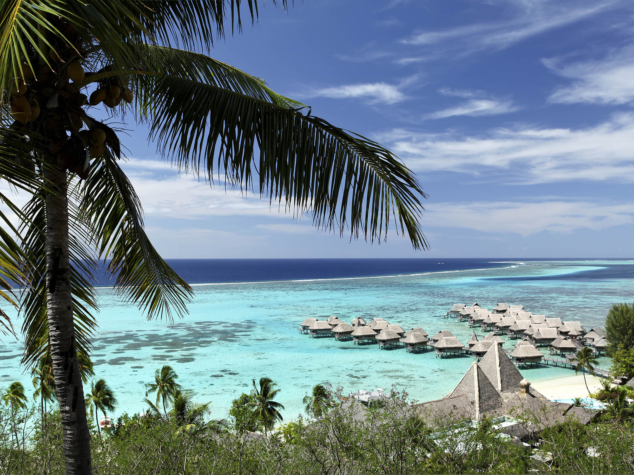 โรงแรม – Sofitel Moorea Ia Ora Beach Resort