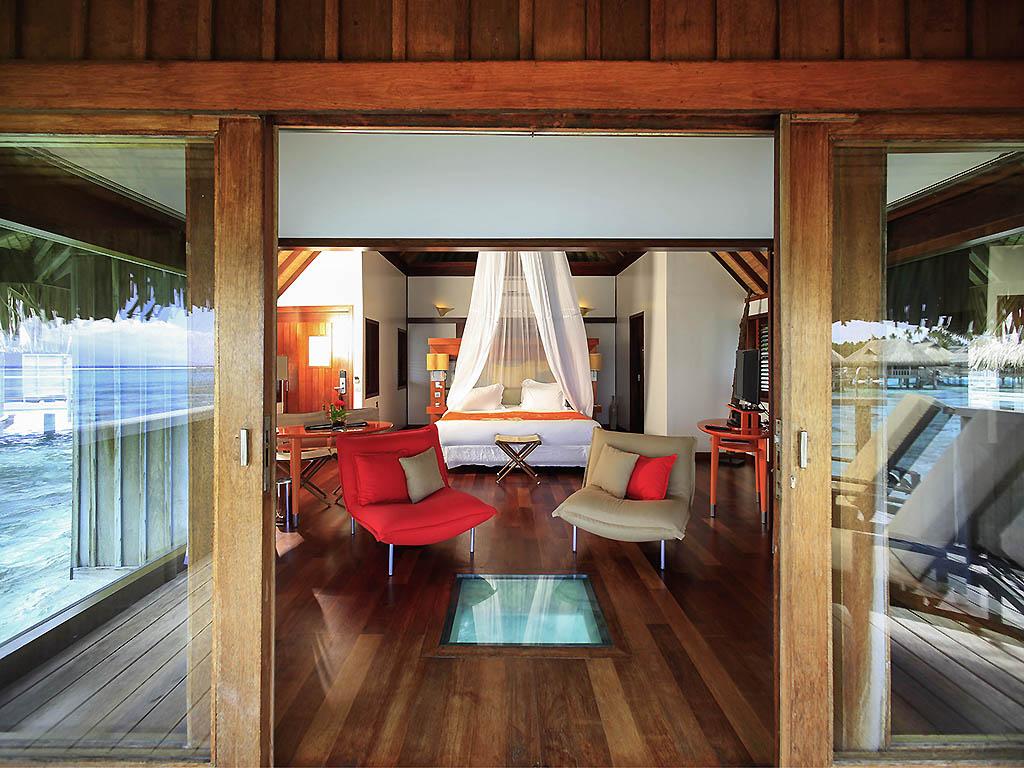 Luxury bungalow 1 king size bed horizon overwater
