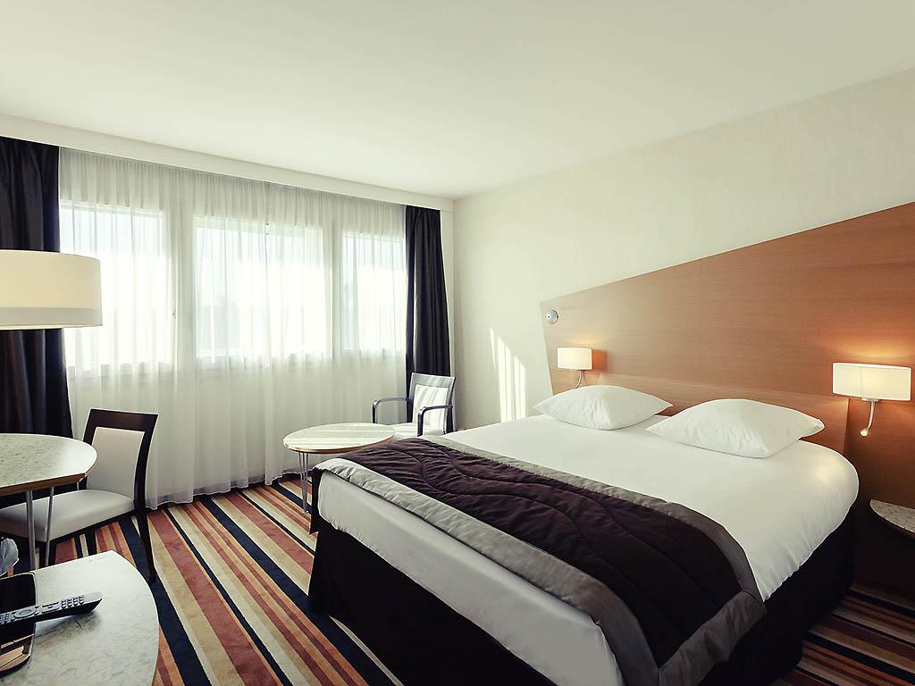 h tel orleans h tel mercure orl ans centre. Black Bedroom Furniture Sets. Home Design Ideas