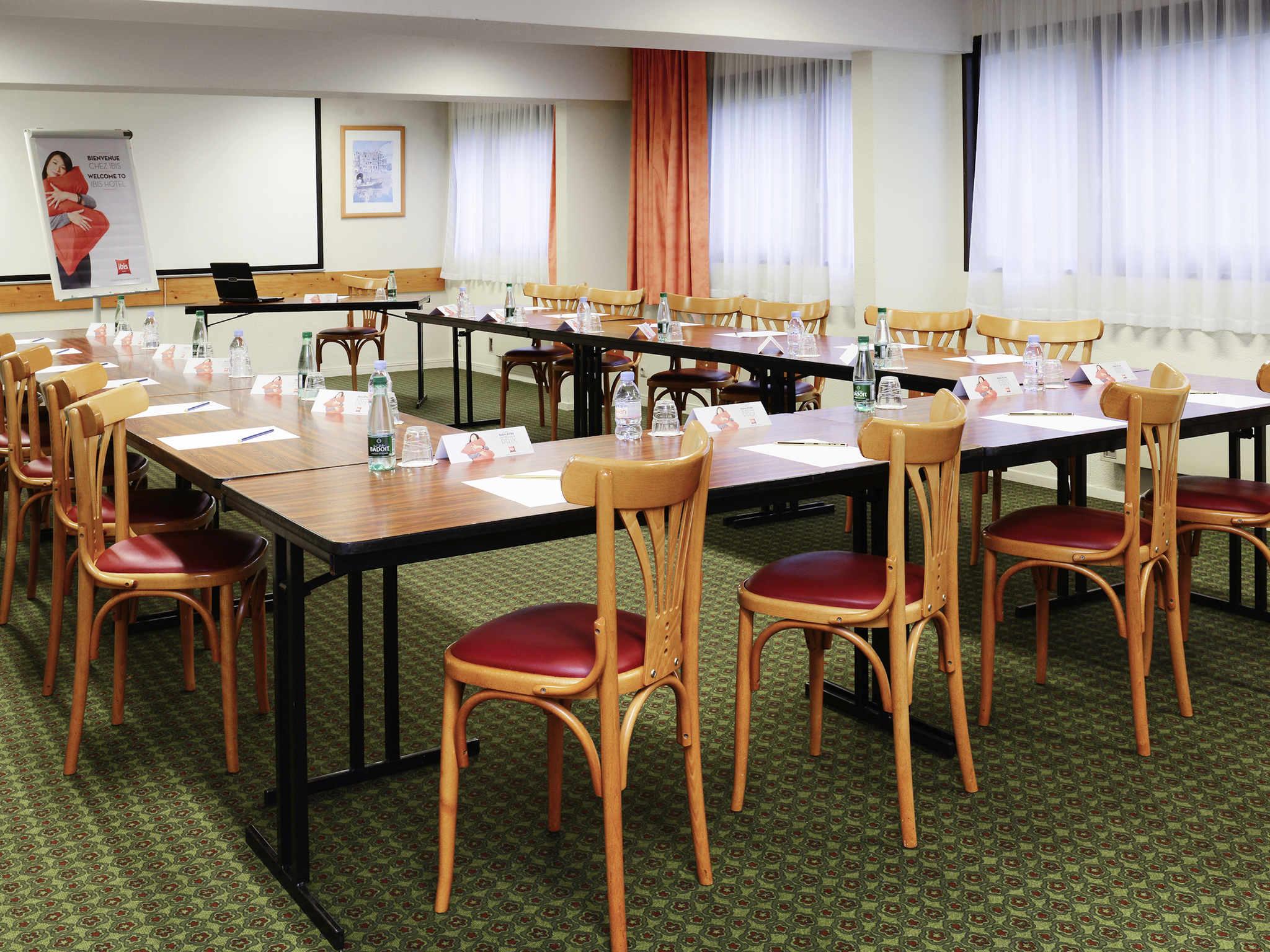 Hotel In Herouville Saint Clair Ibis Caen Porte Dangleterre