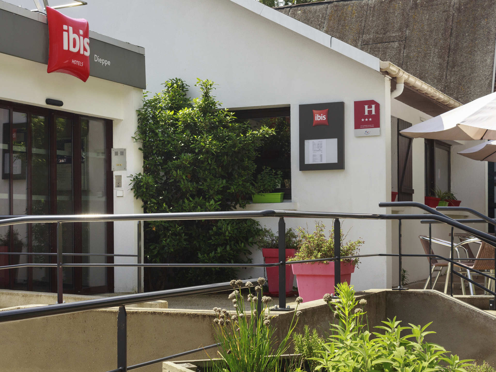 Отель — ibis Dieppe Val Druel