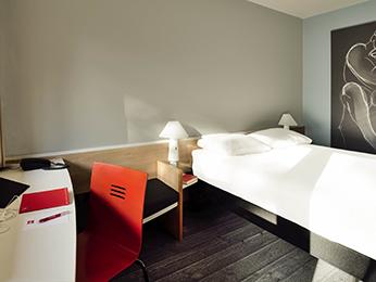 hotel pas cher dieppe ibis dieppe val druel. Black Bedroom Furniture Sets. Home Design Ideas