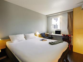 fr hotel  ibis mulhouse ile napoleon shtml