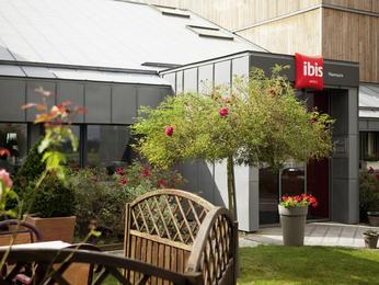 cheap hotel nemours ibis nemours. Black Bedroom Furniture Sets. Home Design Ideas