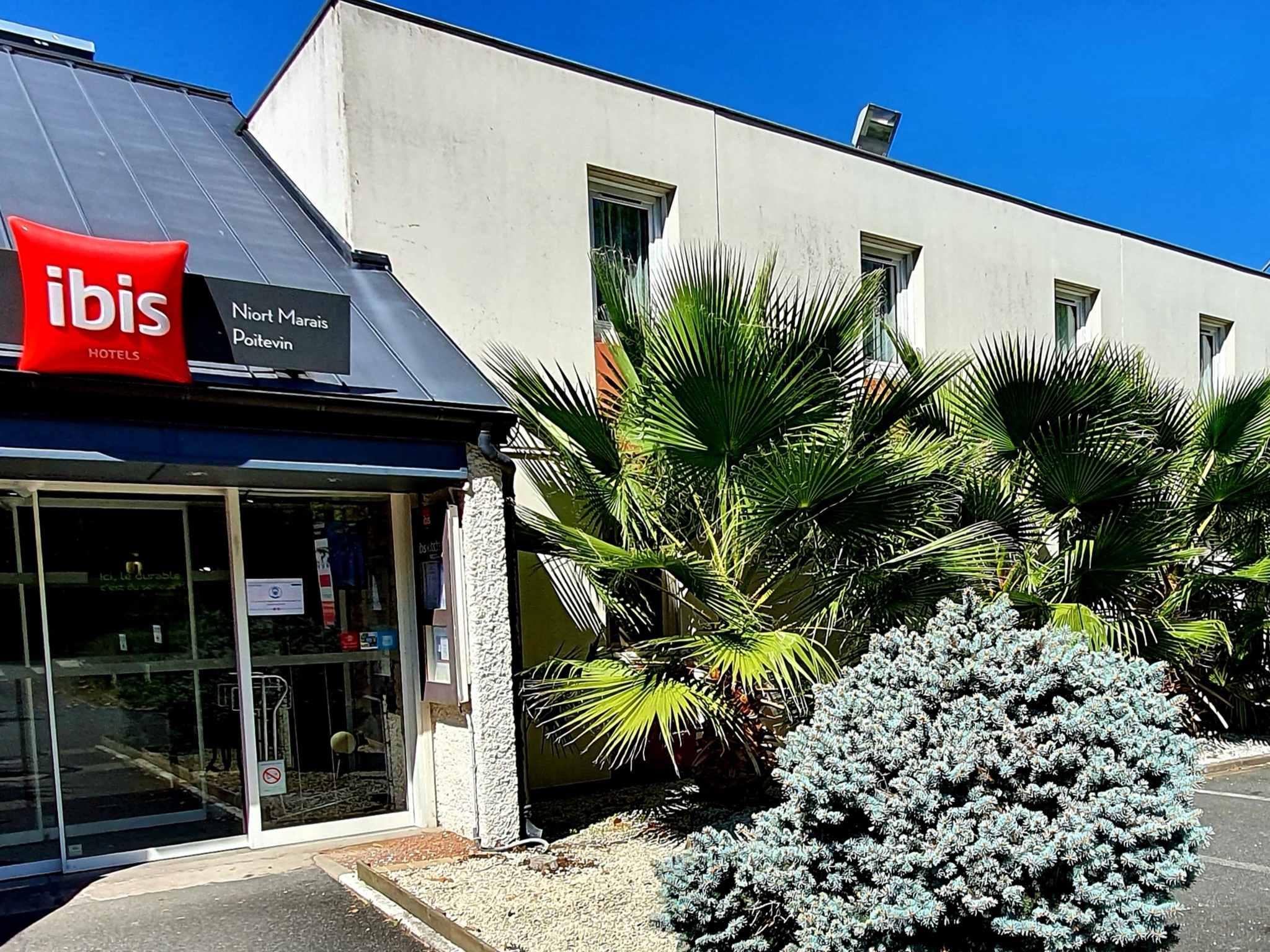 Отель — ibis Niort Marais Poitevin