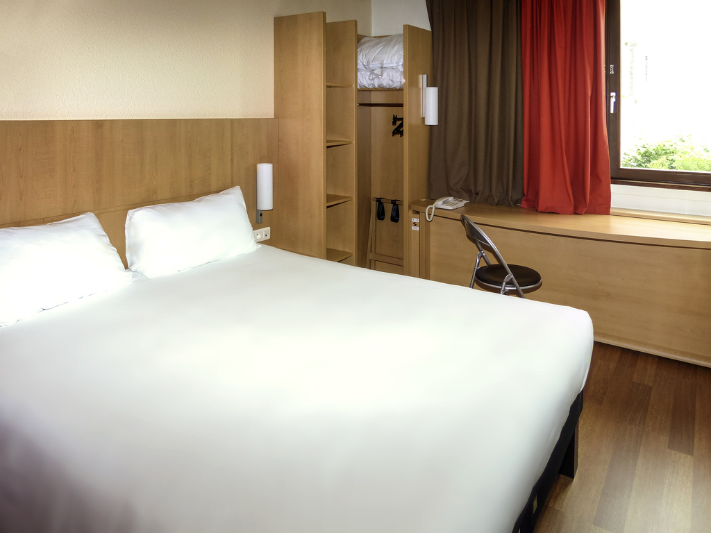 hotel pas cher perigueux ibis p rigueux centre. Black Bedroom Furniture Sets. Home Design Ideas