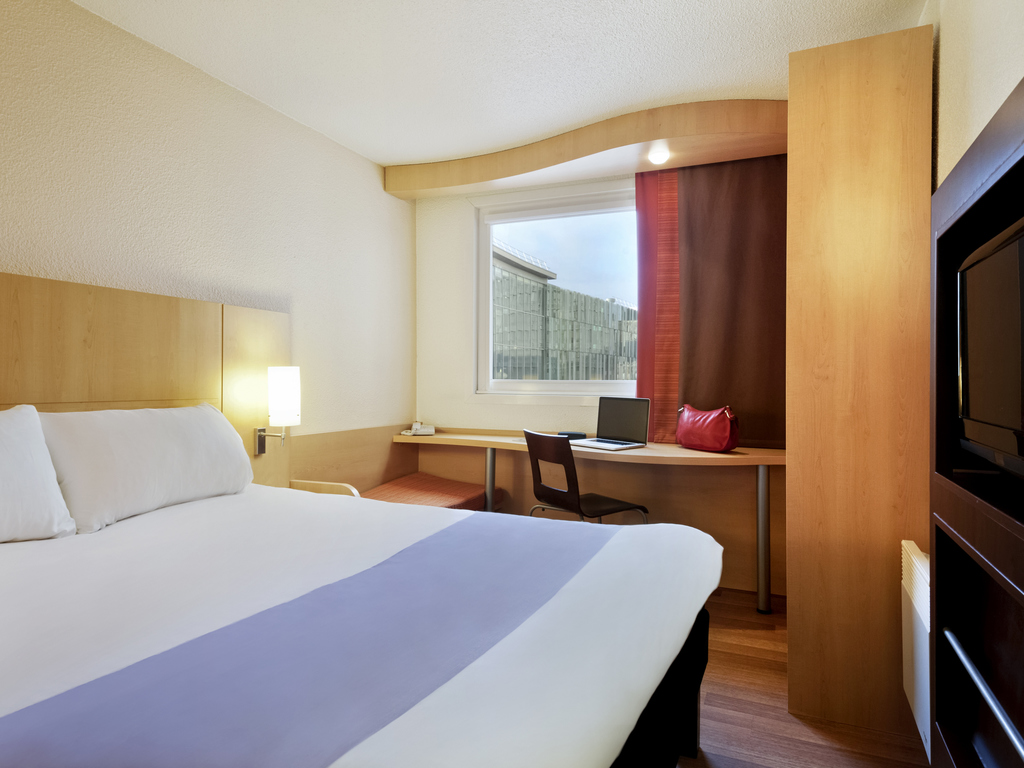 Hotel In Tourcoing Ibis Lille Tourcoing Centre