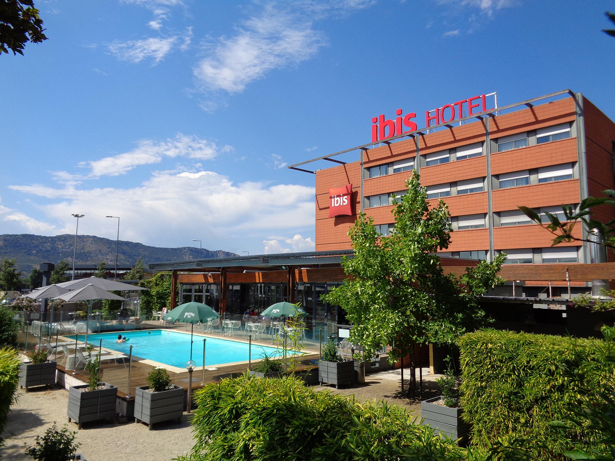 Отель — ibis Валенс Юг