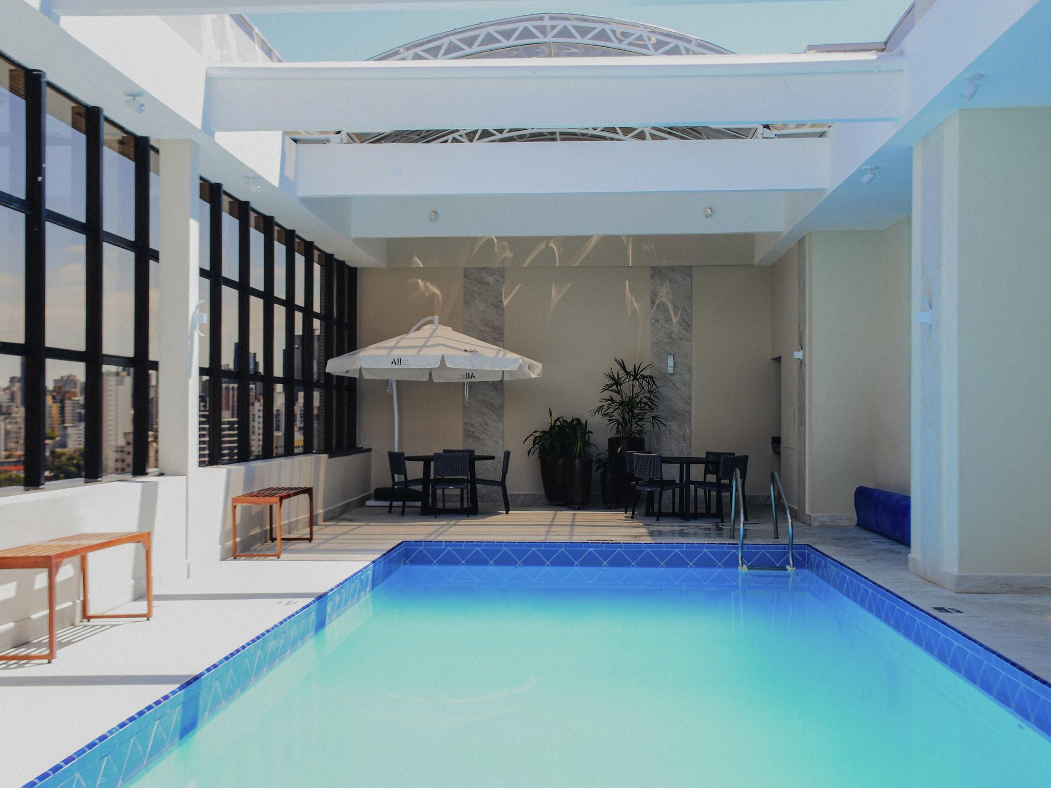 โรงแรม – Mercure Curitiba Golden Hotel