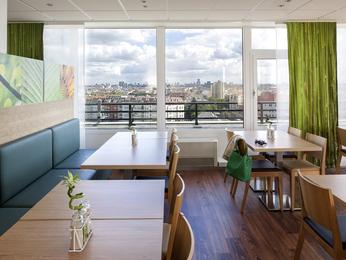 cheap hotel berlin ibis berlin messe. Black Bedroom Furniture Sets. Home Design Ideas