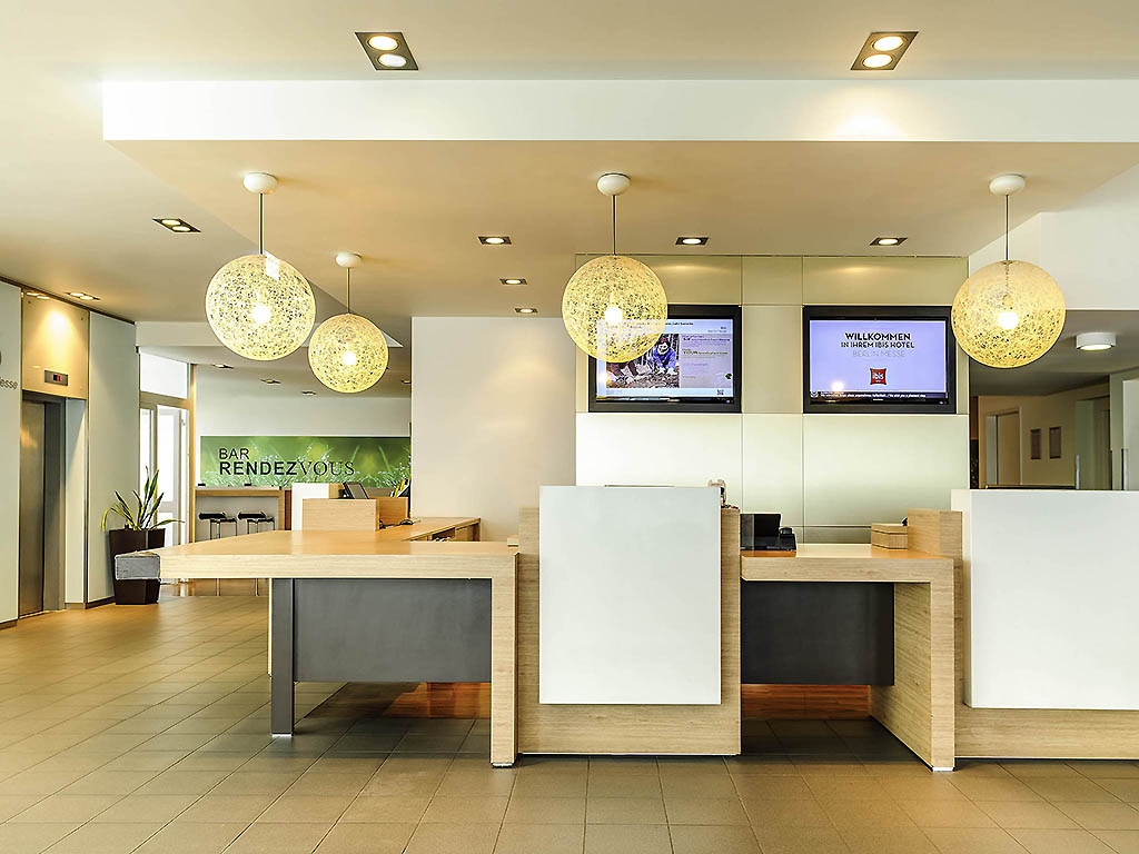 hotel ibis berlin messe book your hotel now free parking. Black Bedroom Furniture Sets. Home Design Ideas