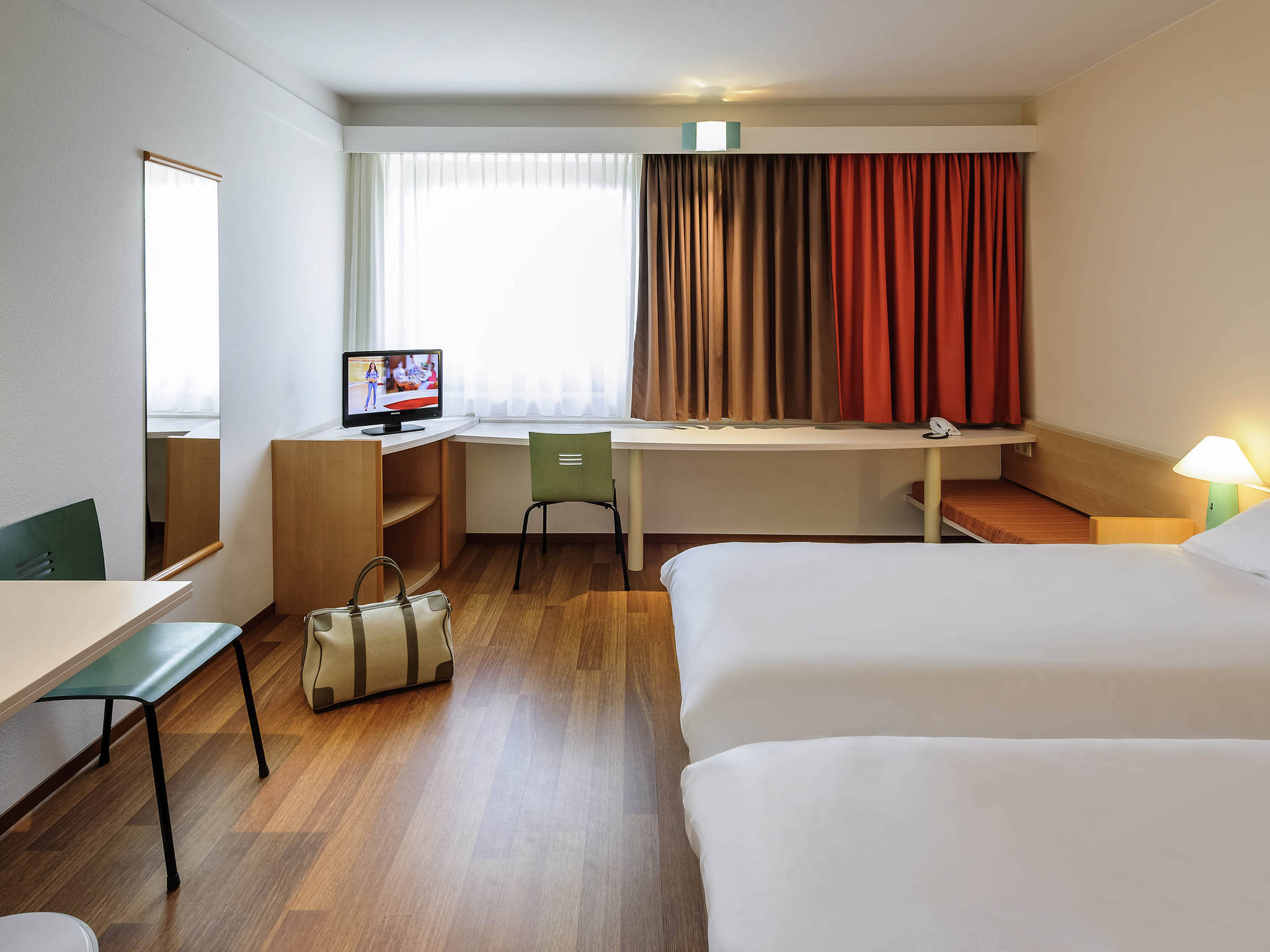 hotel in berlin ibis hotel berlin messe online buchen. Black Bedroom Furniture Sets. Home Design Ideas