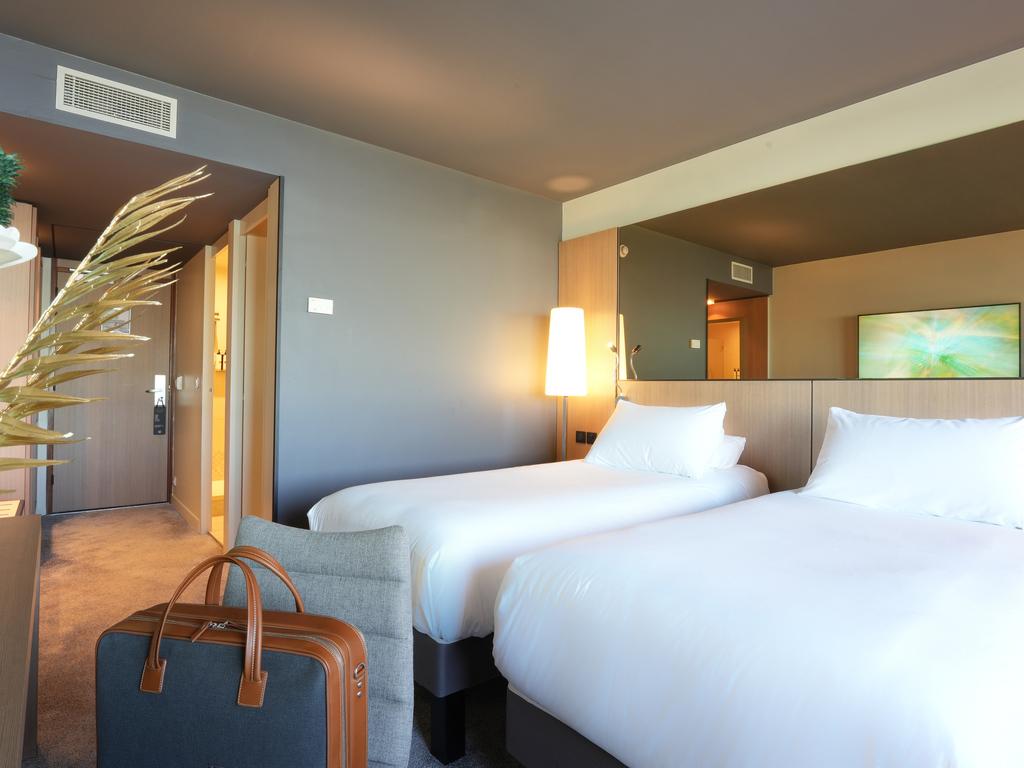 Hotel In Bordeaux Le Lac Pullman Bordeaux Lac All