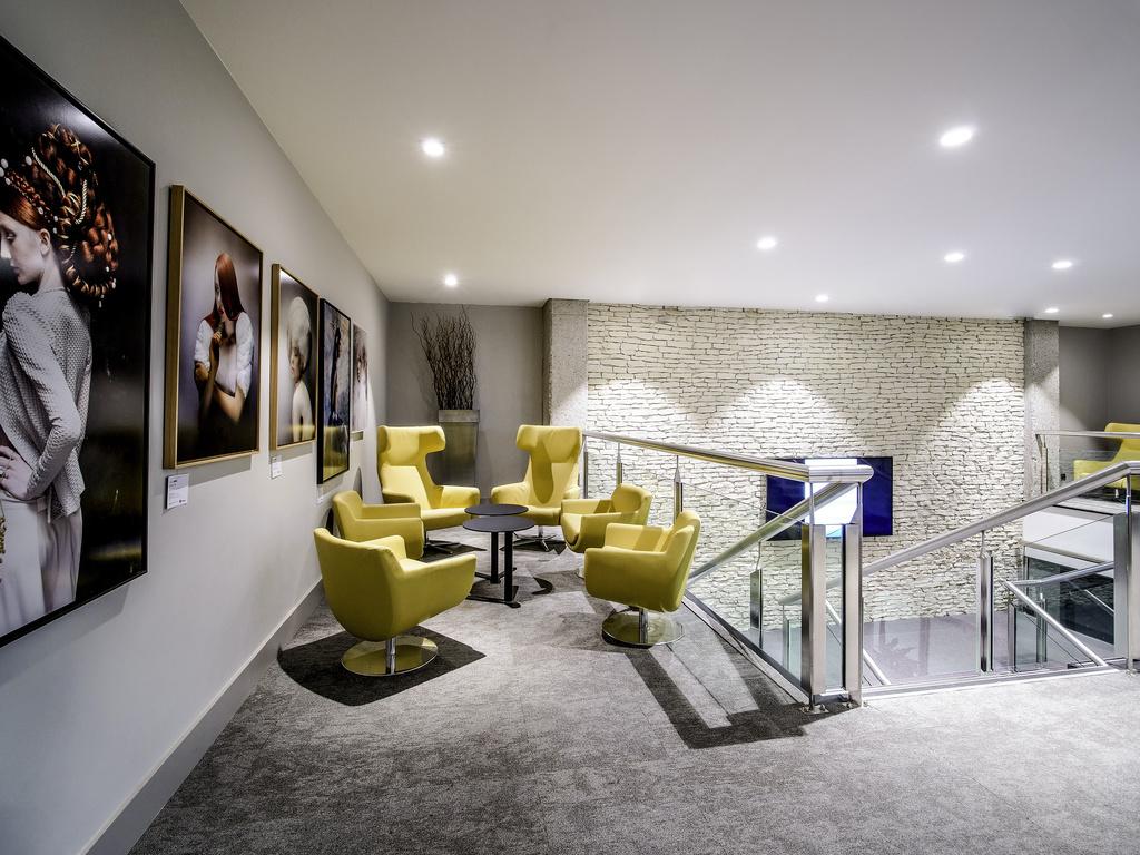 restaurants bars vinoteca pullman bordeaux lac. Black Bedroom Furniture Sets. Home Design Ideas