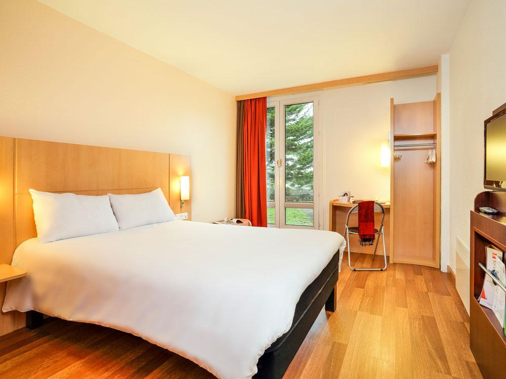 hotel pas cher le mans ibis le mans est pontlieue. Black Bedroom Furniture Sets. Home Design Ideas