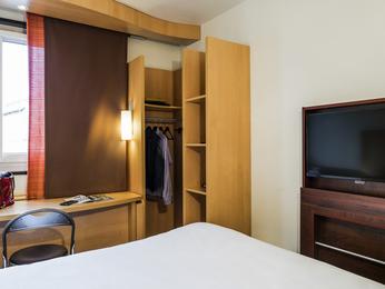 Hotel Suresnes Pas Cher