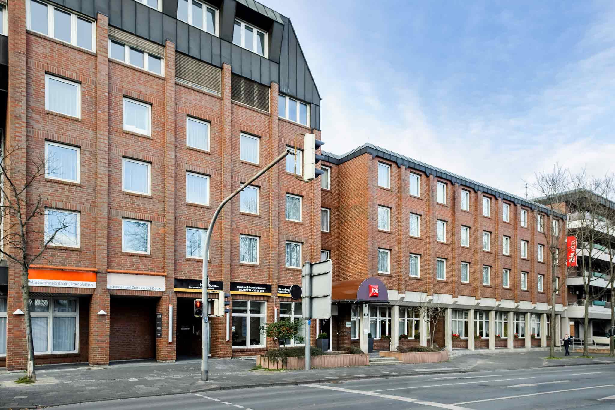 Отель — ibis Paderborn City