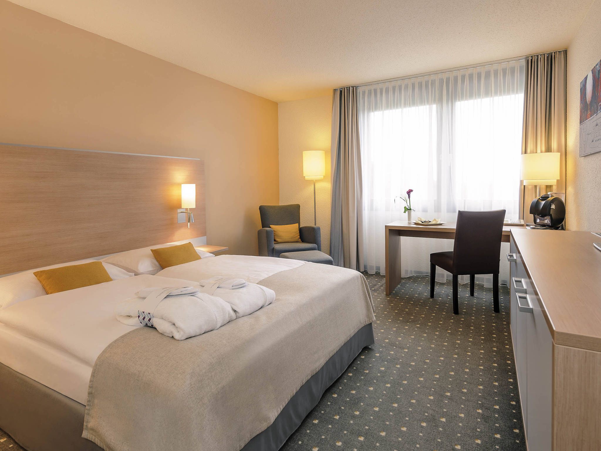 kelsterbach mercure hotel frankfurt airport. Black Bedroom Furniture Sets. Home Design Ideas
