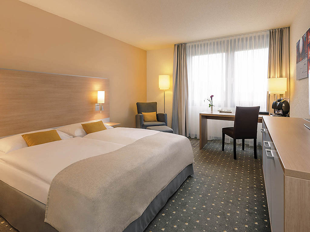 H tel kelsterbach mercure hotel frankfurt airport for Chambre queen size