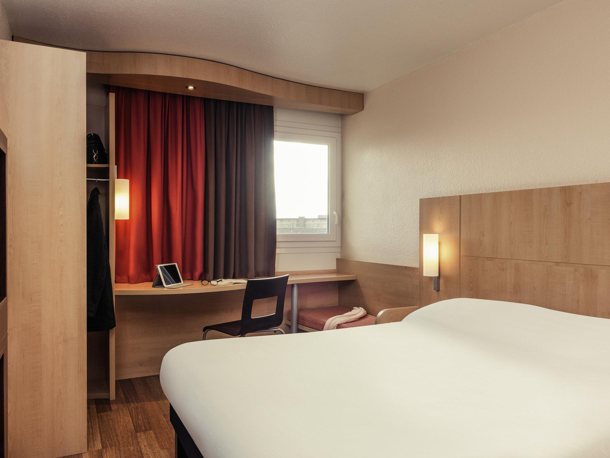 Hotell – ibis Épinay-sur-Seine